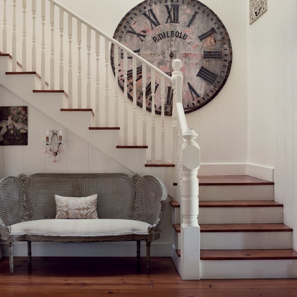 3 Staircase Decorating Ideas | InteriorHolic.