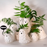 Adorable Vases &#8216;Singing Brownies&#8217; by Diploo