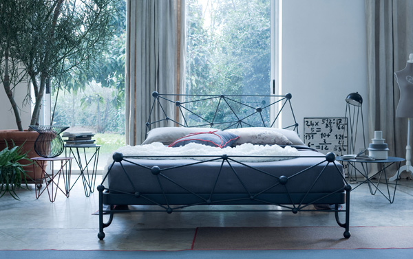 Amazing and Stylish Astro Bed by Ciacci