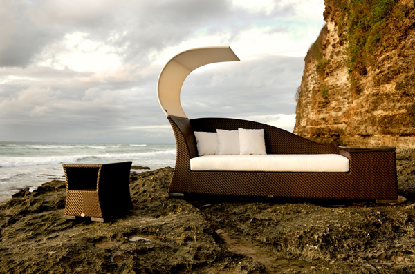 Daybed In Outdoor Decor