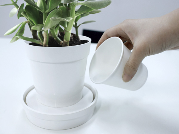 iGrow Planter by Psychic Factory