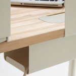 mantis-desk-creates-efficient-work-area-in-small-spaced-homes-3