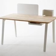 Mantis Desk Creates Efficient Work Area In Small Spaced Homes