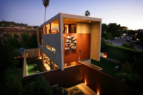 Private and Beautiful: The Prospect House in Sand Diego