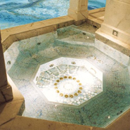 Swimming Pool Design Idea: Mosaic